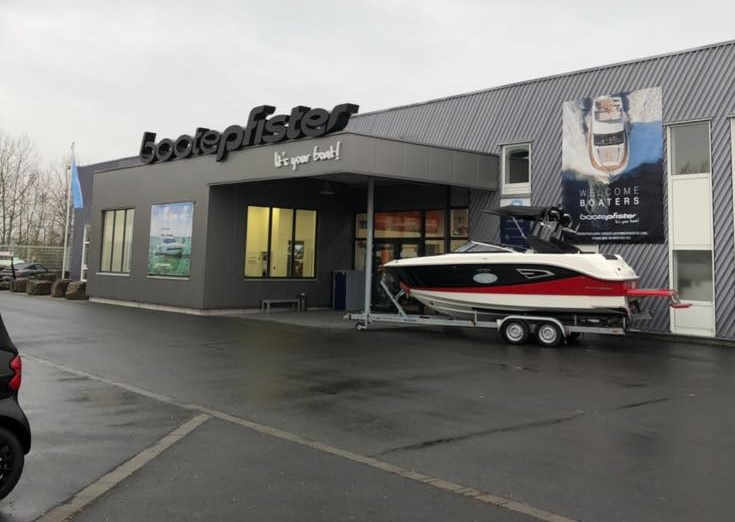 Boote-Pfister Outside